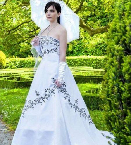 šaty vyšívané České svatby