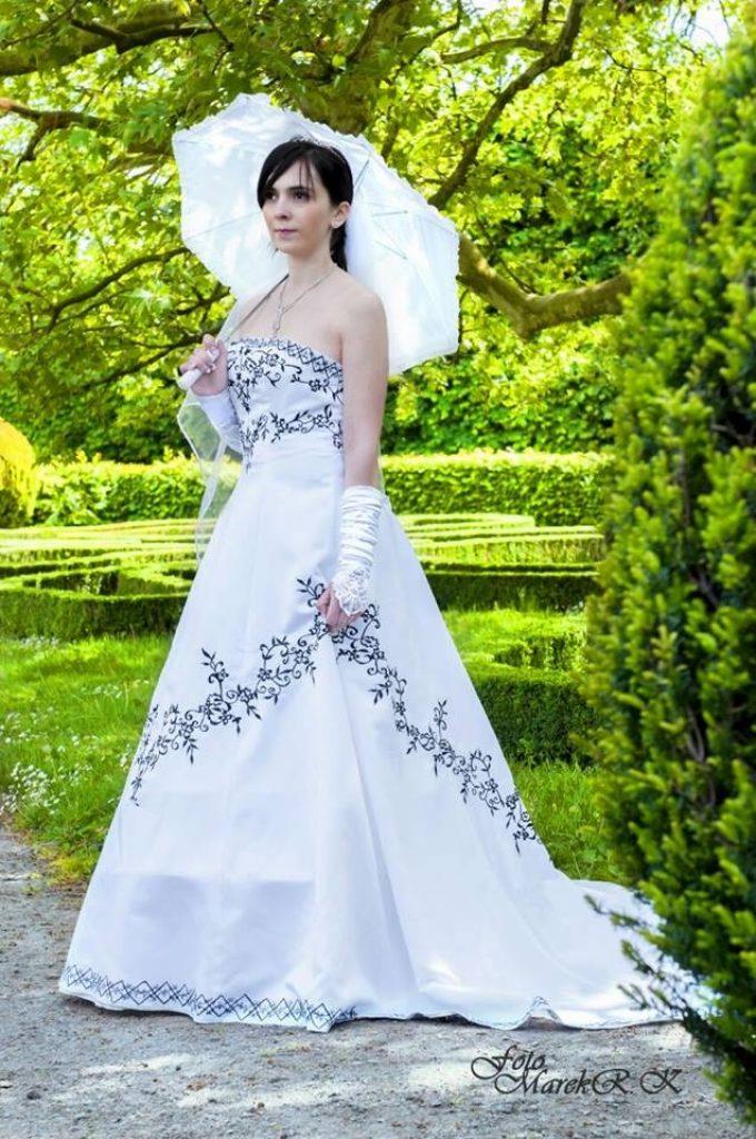 Naše svatební šaty