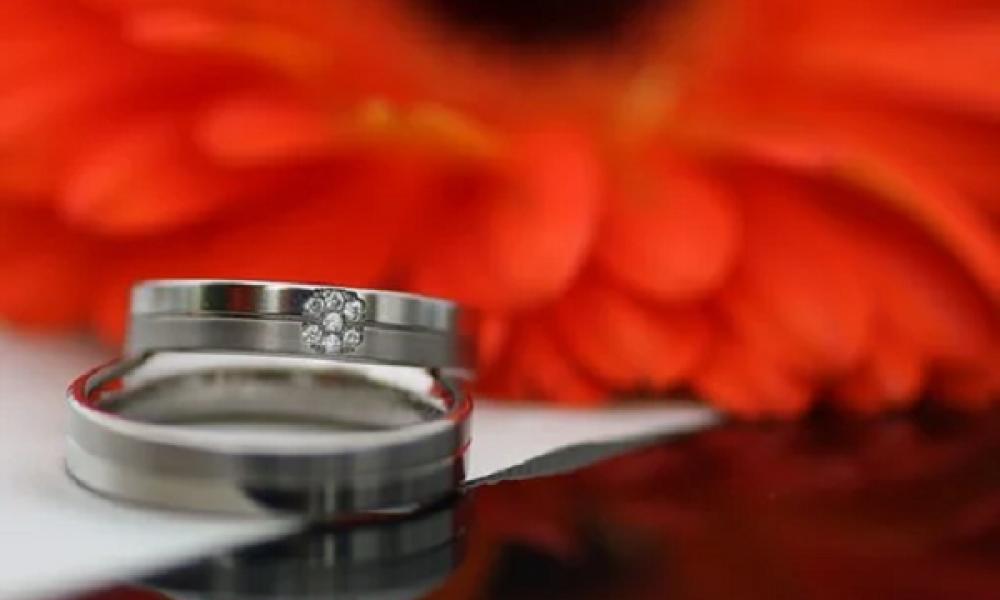 proč nosíme snubní prstýnky příspěvek